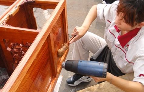 红木刮磨工序; 红木工艺在线视频;